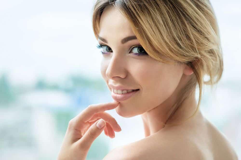 El HydraFacial es un tratamiento estético que afina el rostro y el cuerpo sin irritación ni abrasión.  El Centro Naderi |  Virginia