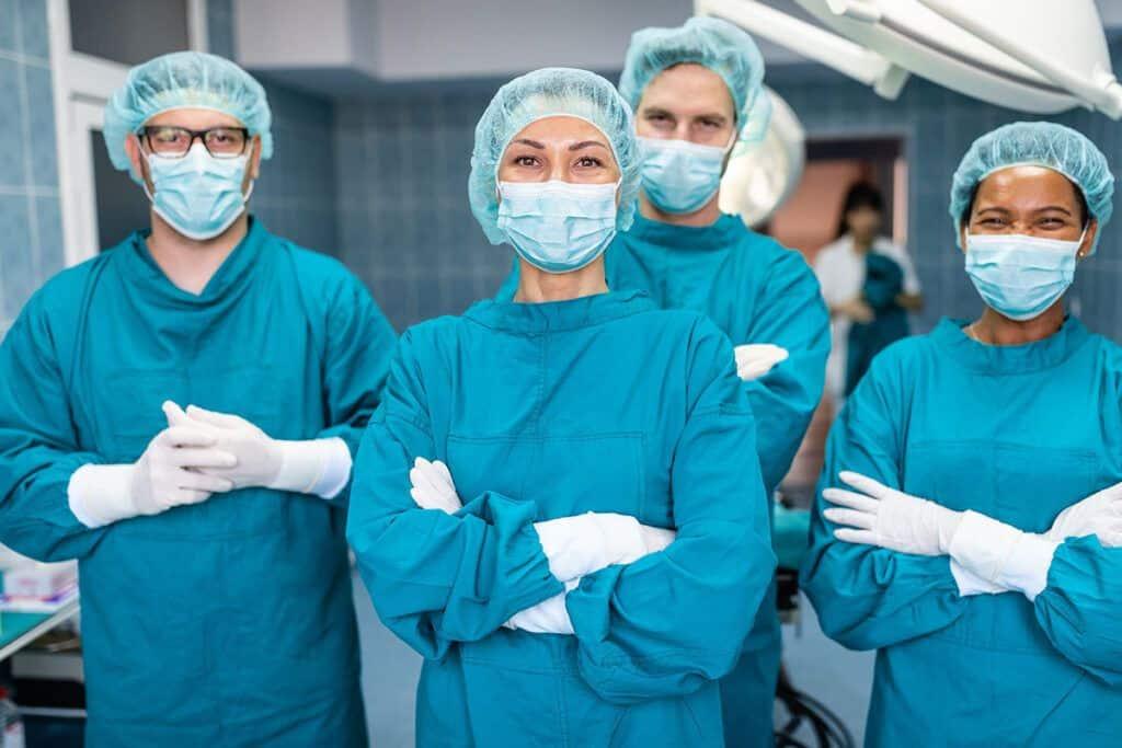 Estos exitosos cirujanos estéticos completaron la formación con becas del American Council of Cosmetic Surgery