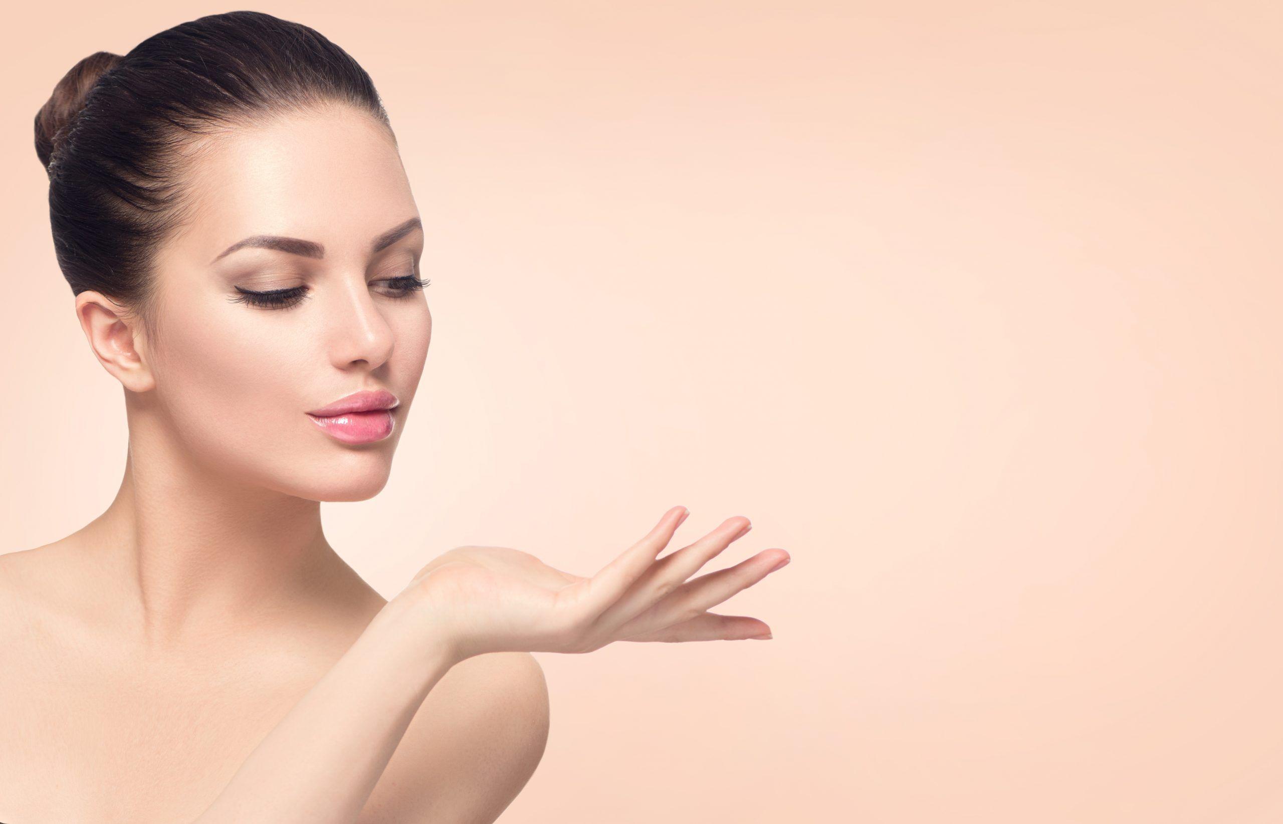 Lifting facial para personas mas jovenes Cirugia Plastica Livingston