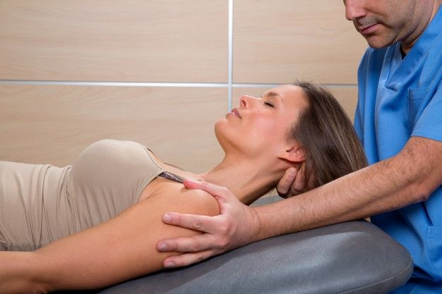 estiramiento de cuello-cirugiaestetica10