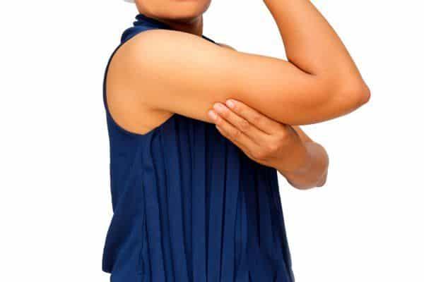 Cirugía para tensar la piel del brazo después de la pérdida de peso
